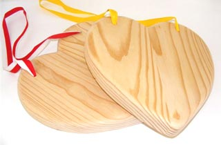 Heart Shaped wooden chopping boards R00