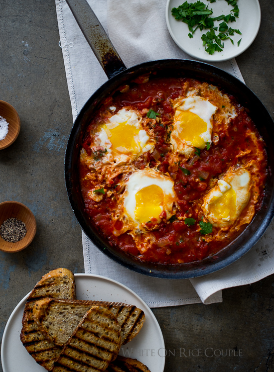 baked-eggs-in-tomato-sauce-1-1