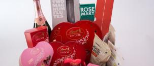 WIN a Valentine's Lindor Picnic Hamper worth R1500!