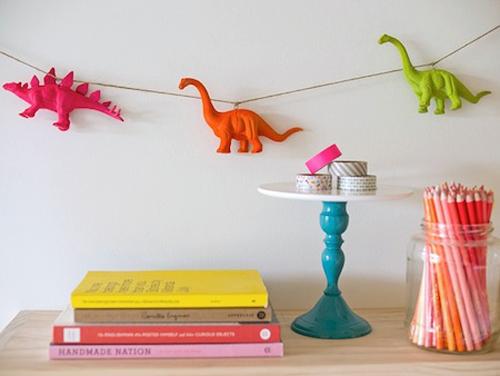 12 Fantastic Plastic Animal Crafts